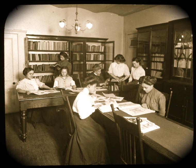 Biblioteca Con Mujeres